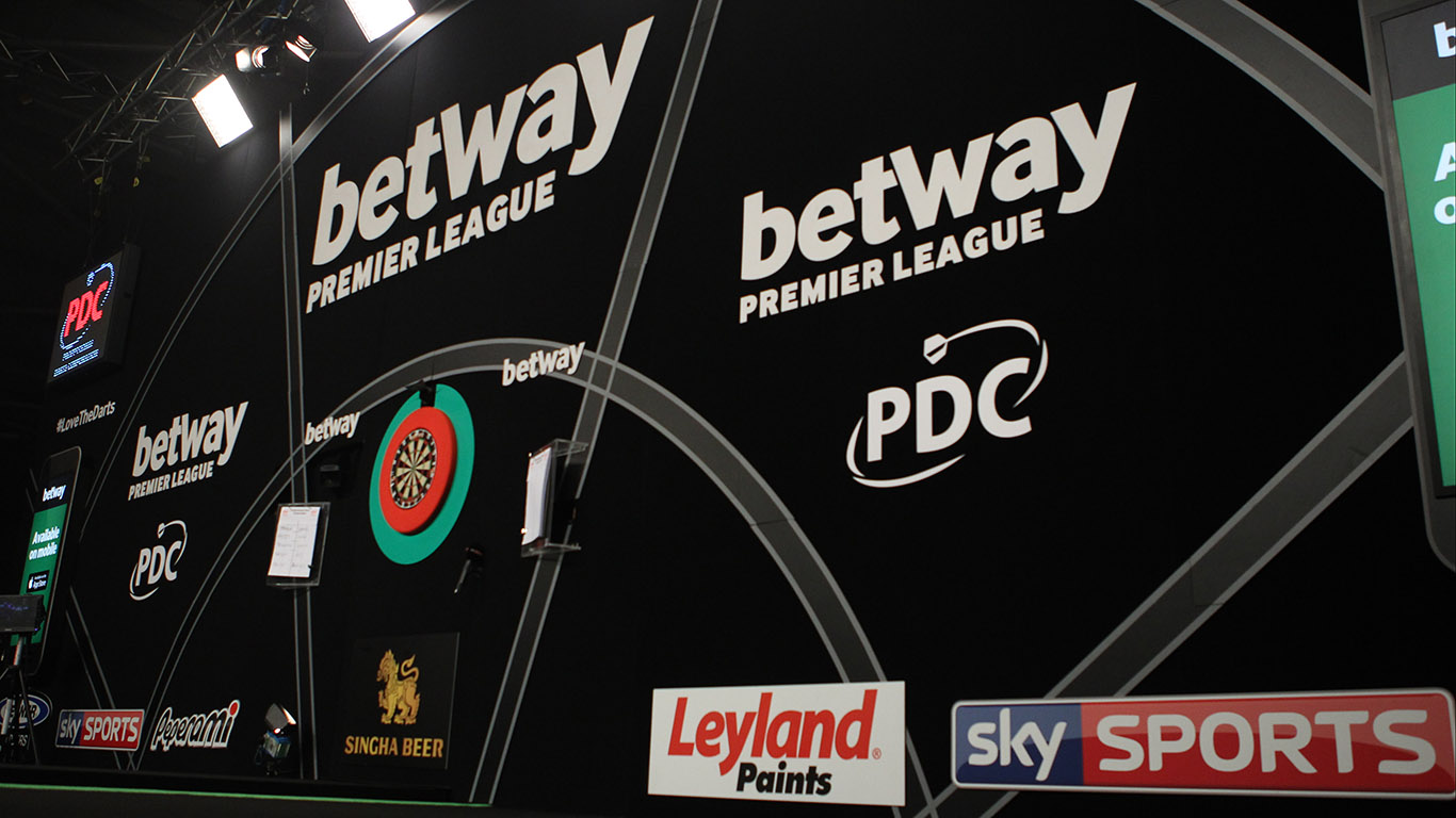 PDC PREMIER LEAGUE DARTS 2016, DARTS, EXETER, PDC,PHIL TAYLOR, ADRIAN LEWIS, TIPTOPPICS.COM PHOTO:CHRIS SARGEANT