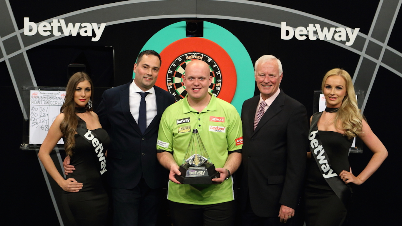 PDC PREMIER LEAGUE DARTS 2016 FINAL , PICS:CHRIS SARGEANT, TIP TOP PICS LTD, WINNER, MICHAEL VAN GERWEN