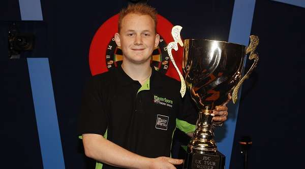 maikel-verberk-junior-darts-corporation-champion-lawrence-lustig-pdc_13ci00ihllsco190lv761k5pkq