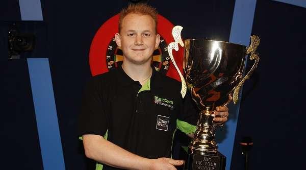 maikel-verberk-junior-darts-corporation-champion-lawrence-lustig-pdc_13ci00ihllsco190lv761k5pkq